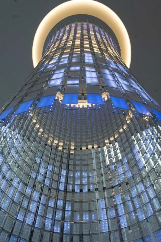 Big data-powered chandelier reveals how world's greenest building is performing