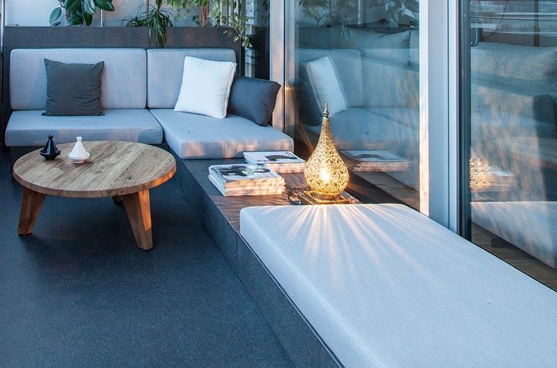 Barcelona Diagonal Mar apartment by YLAB Arquitectos