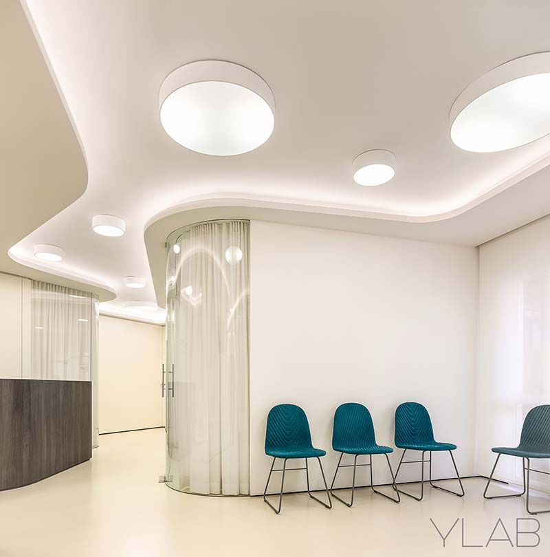Vallès Dental Office by YLAB Architects