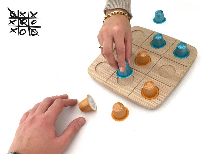 WOODY Tic Tac Toe - Drinking set by ROKdesign + AG Cerámica