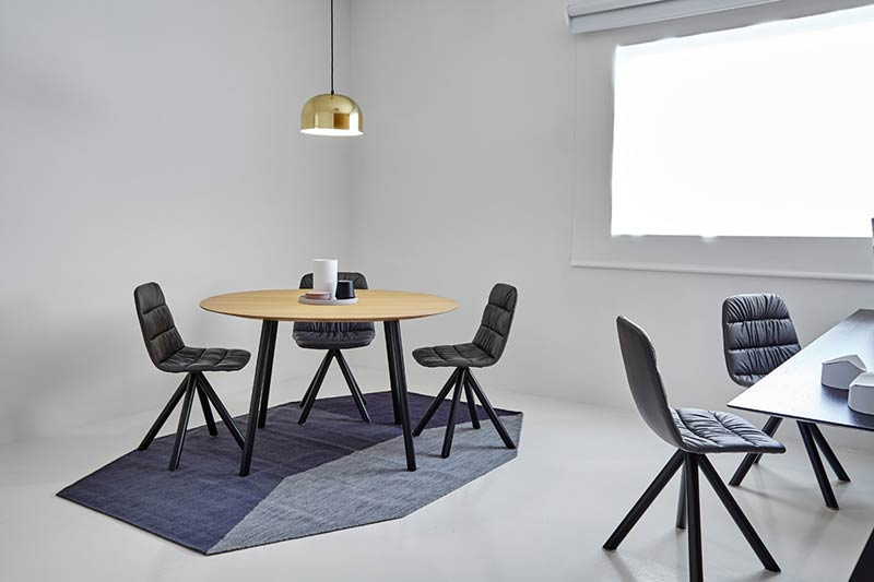 Viccarbe brightens up meetings and presentations with their new collection