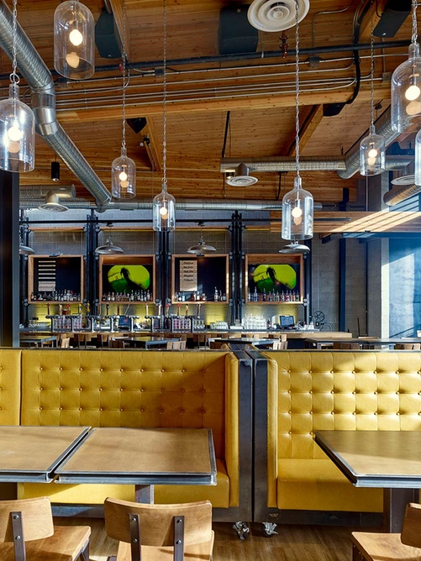 Trolley Five Restaurant & Brewery / Modern Office of Architecture + Design