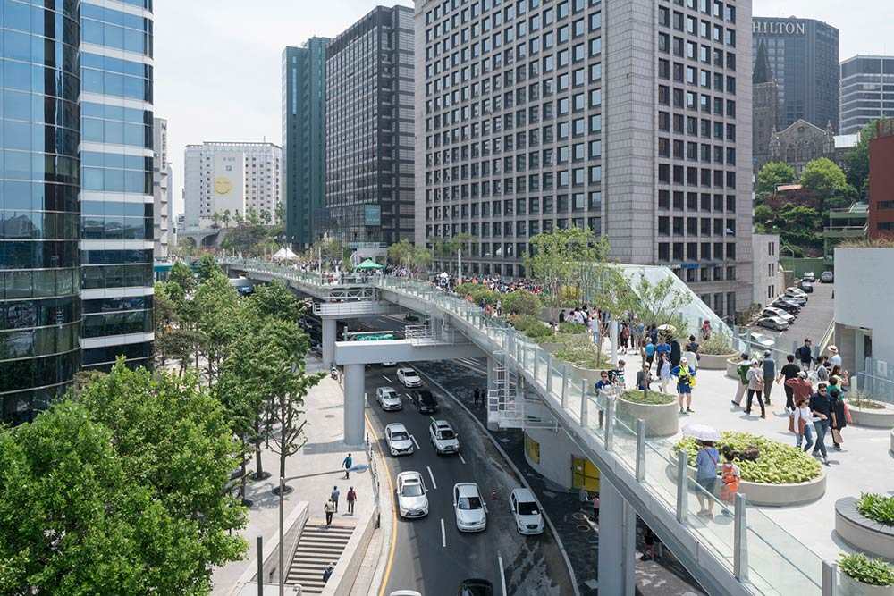 MVRDV completes Seoullo 7017, a  983-metre botanical floating walkway, a transformed former city highway