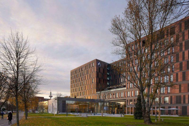 Frankfurt School of Finance & Management by Henning Larsen Architects
