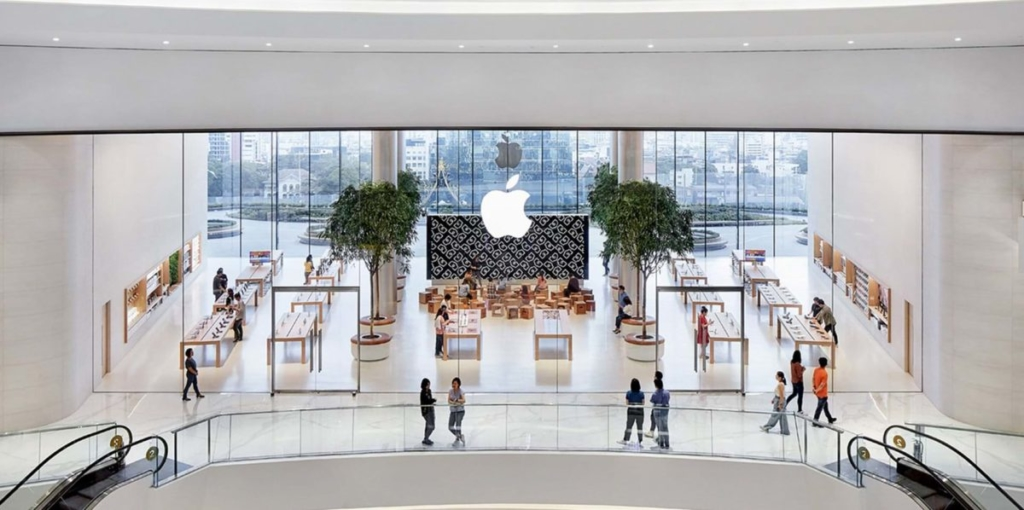 Foster + Partners' Apple Iconsiam opens in Bangkok