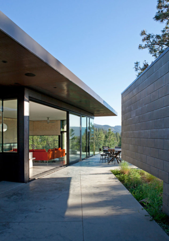 Friesen Wong House, Canada by D'Arcy Jones Architects