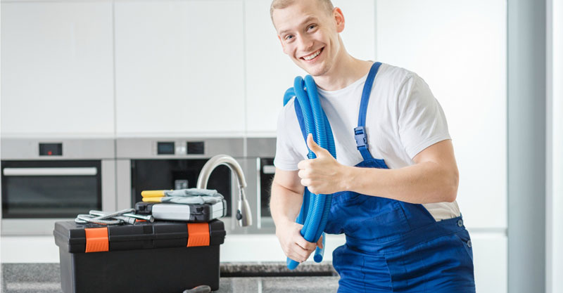5 Reasons Why You Should Hire a Professional Plumber