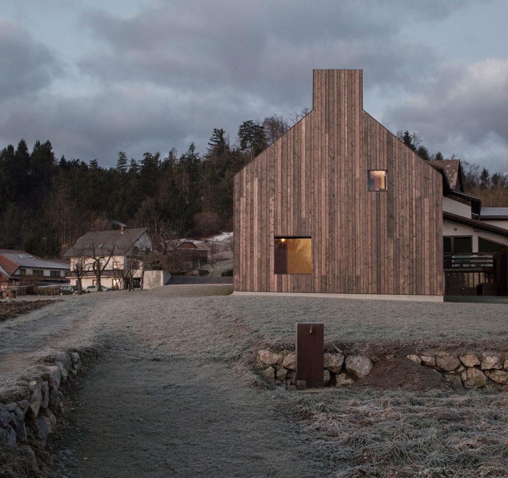 The Chimney House / Dekleva Gregorič Architects