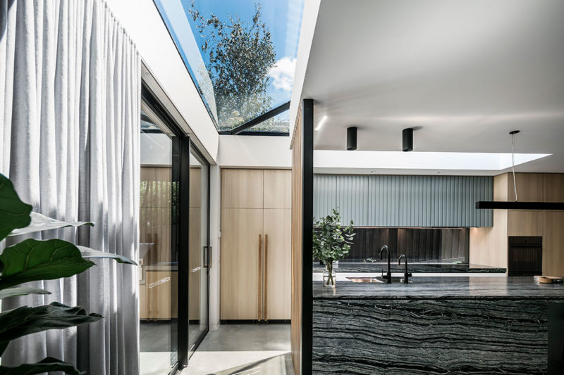 Triple Fronted Revival / Pleysier Perkins Architects