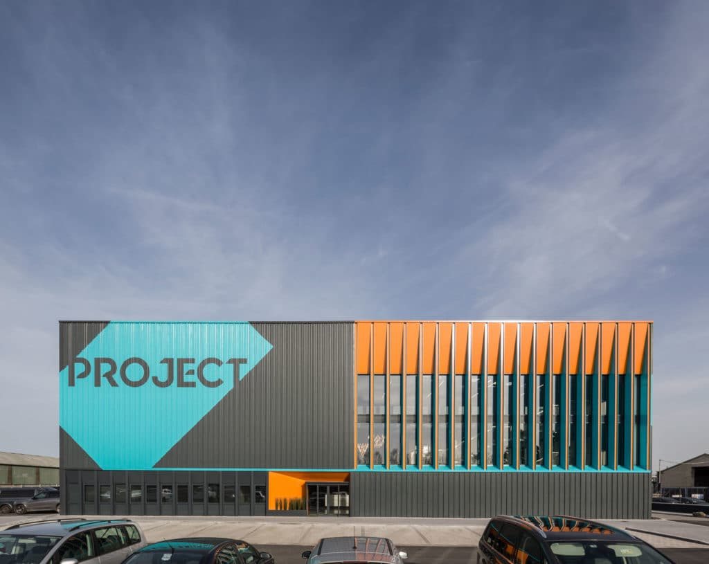 Project Showrooms N3 / De Siún Architects