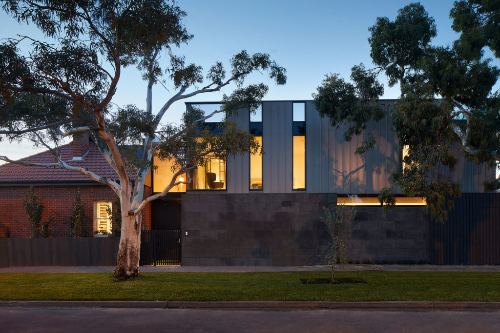 Verge House / Finnis Architects
