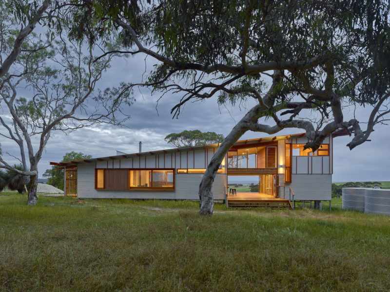 Waitpinga Retreat by Mountford Williamson Architecture