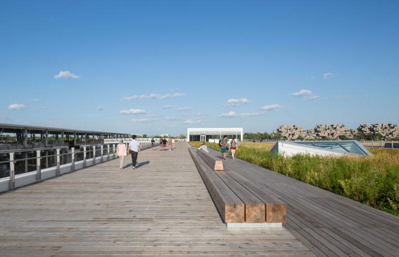 Promenade on the green esplanade