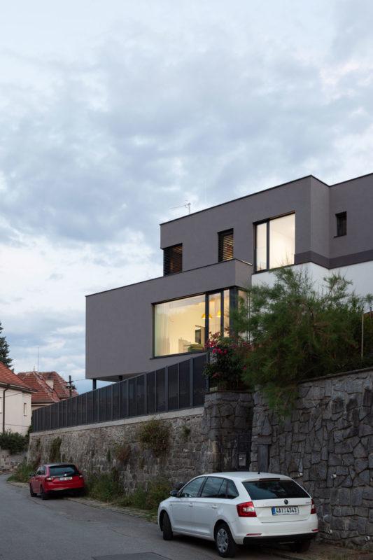House on the slope by boq architekti