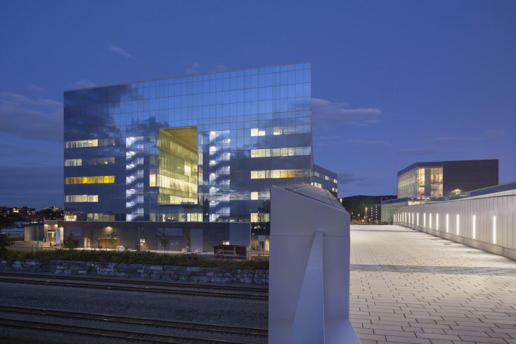 Sciences Complex at the MIL Campus of the Université de Montréal, a transformative social project