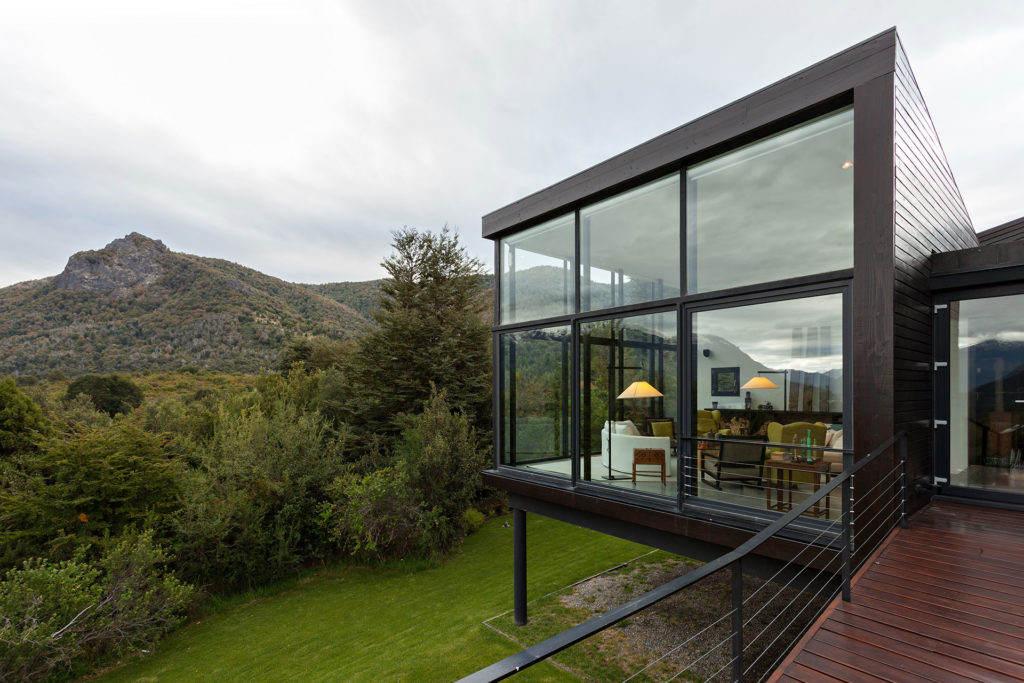 MD House by Alric Galindez Arquitectos