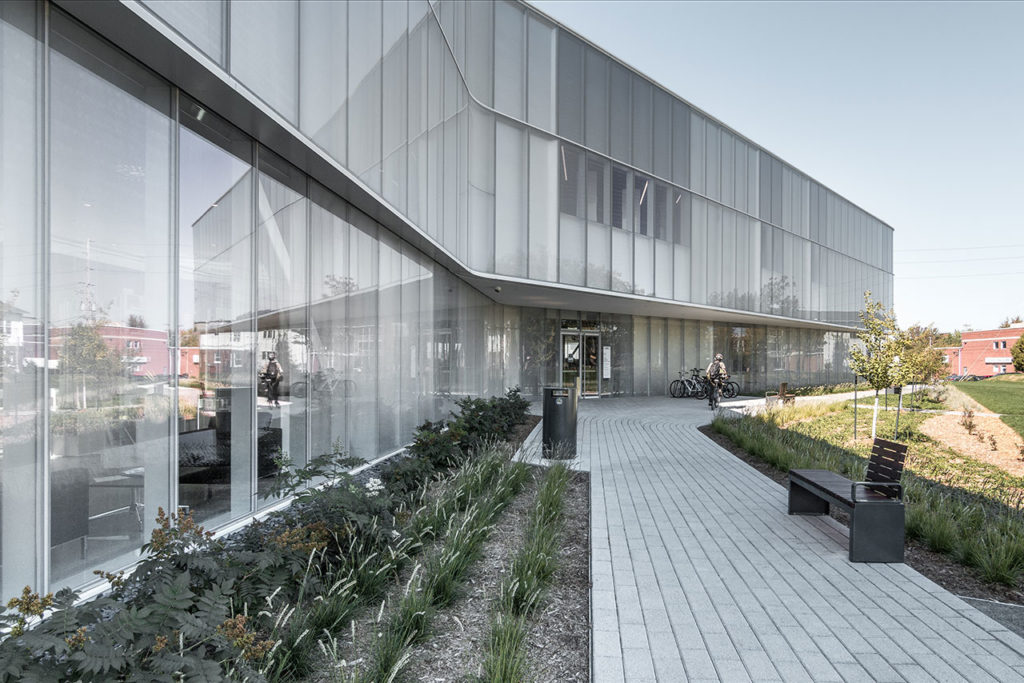 Drummondville Public Library by Chevalier Morales Architectes