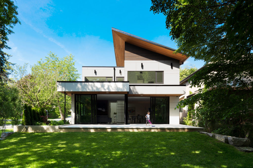 Meadowcrest house by Dewson Architects