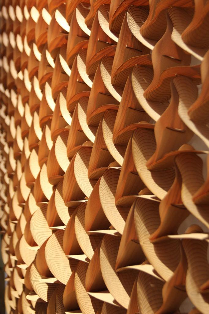 Detail wood sculpture
