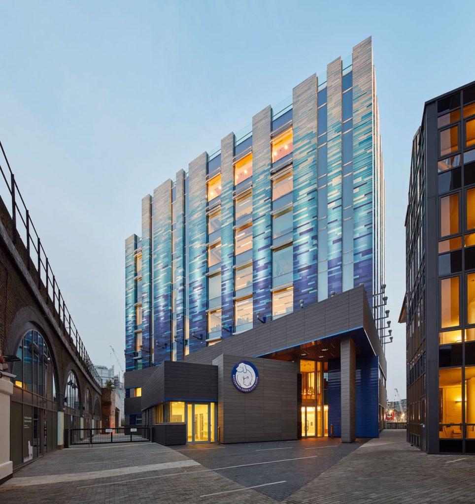 Veterinary Hospital by Jonathan Clark Architects