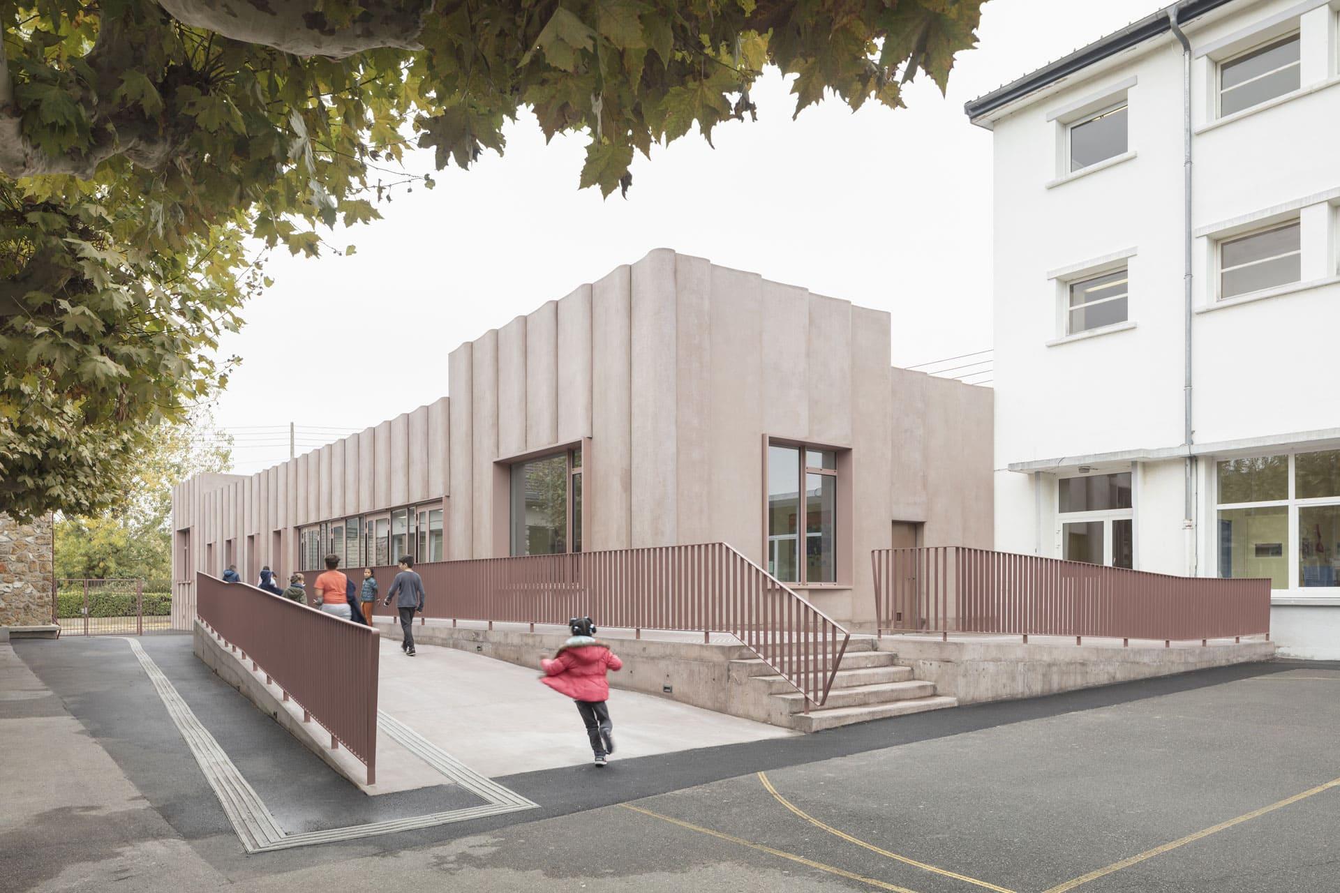 Jaurès recreation center by Graal