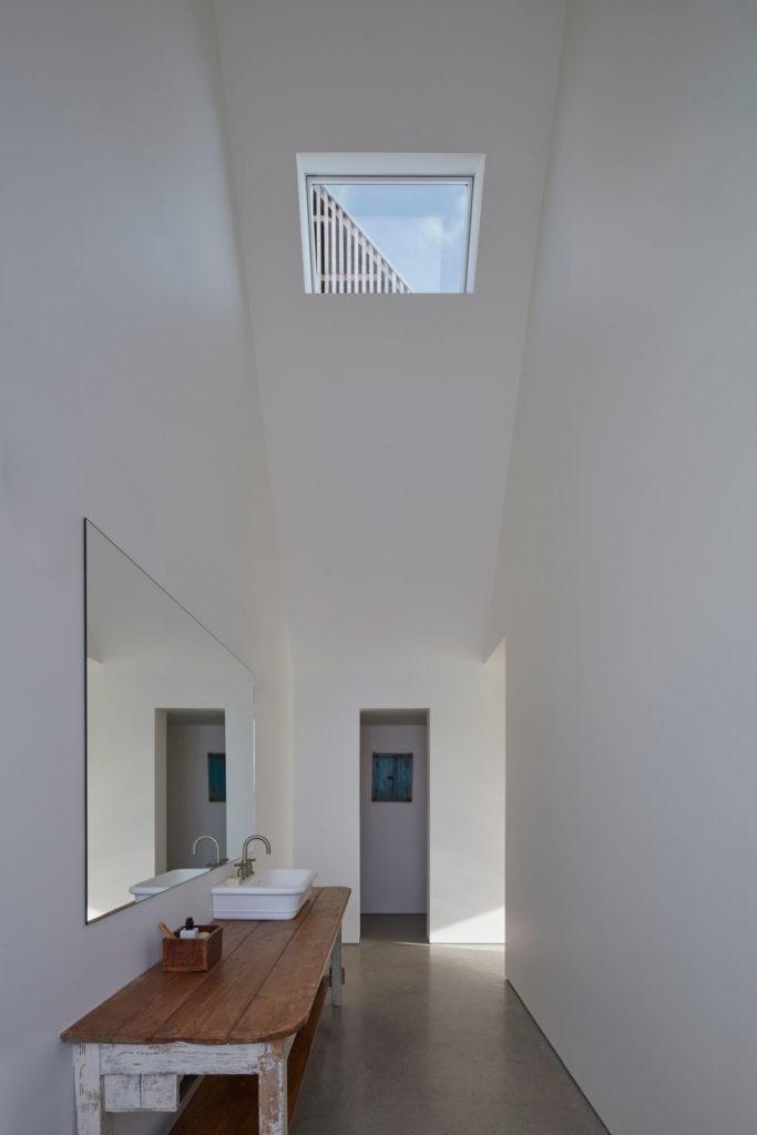 Hatley House by Pelletier de Fontenay in collaboration with François Abbott