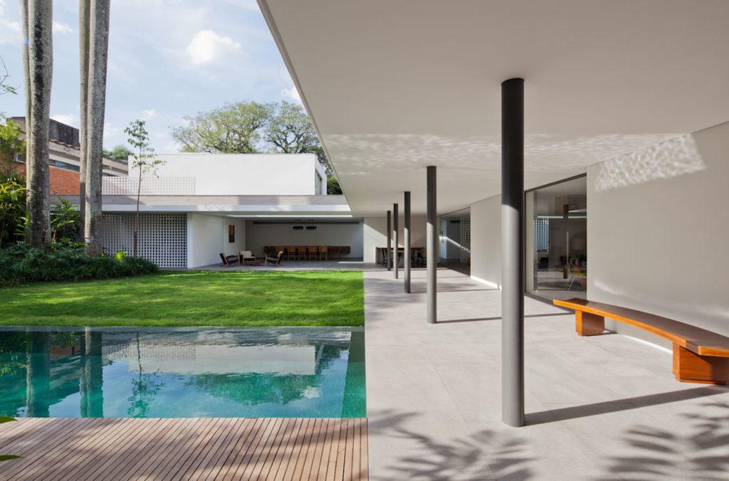 Alto de Pinheiros House by AMZ Arquitetos