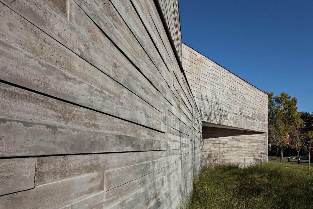 H21 House by Alric Galindez Arquitectos