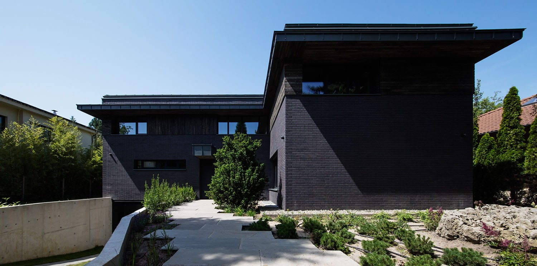 Villa Black by NAPUR Architect