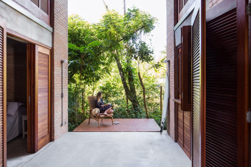 House at Prumirim Beach by Bruno Rossi Arquitetos