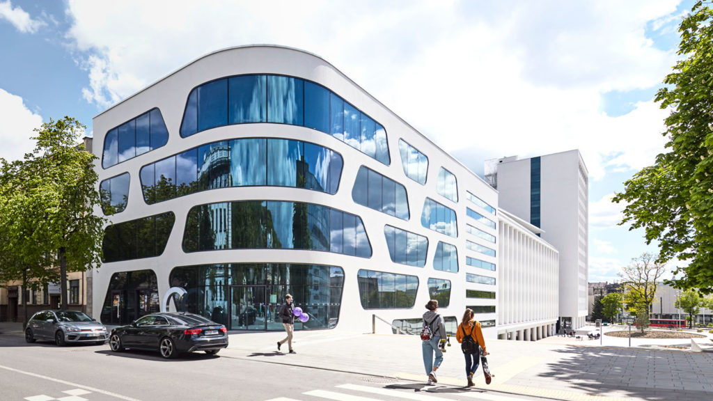 V-PLAZA – Urban Development