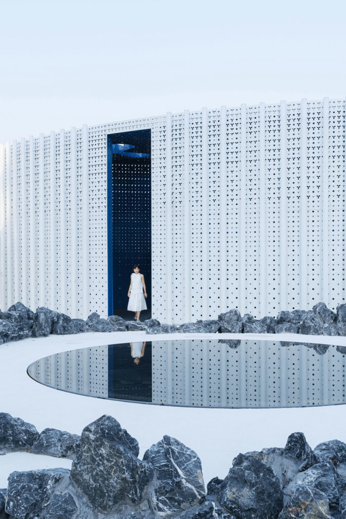 White Upland Sales Center by Wutopia Lab