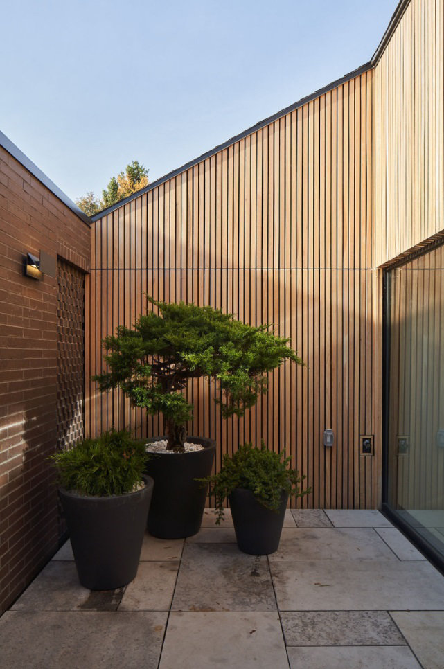 The Courtyard - Emily's House: A Modern Multi-Generational Home