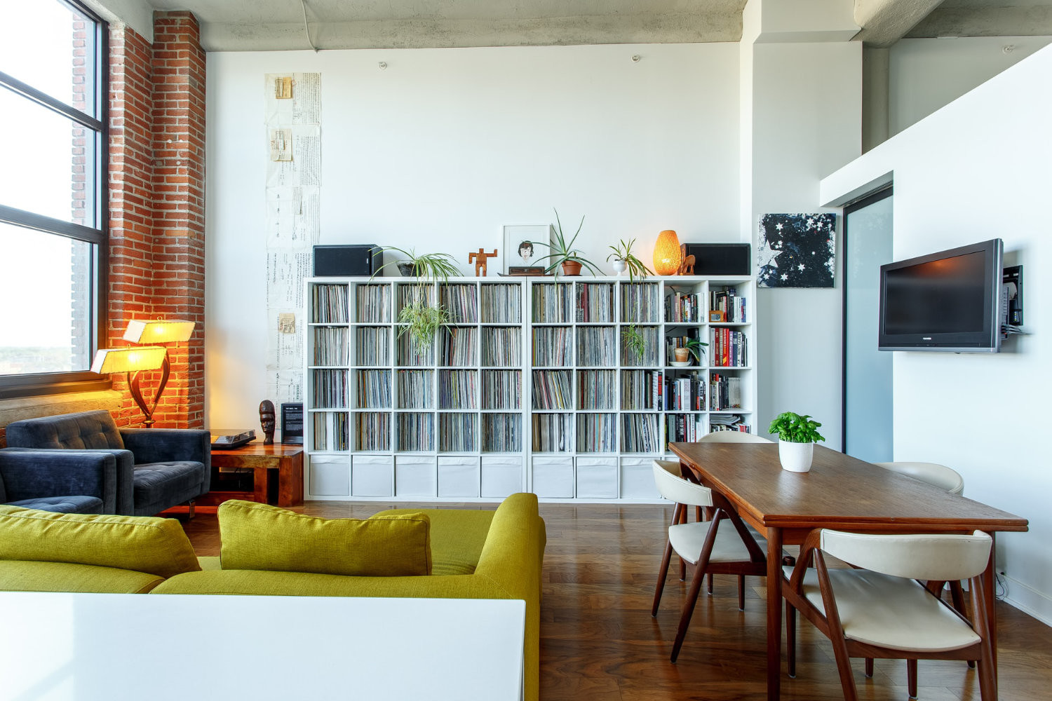 Renovating Your Living Area on a Tight Budget