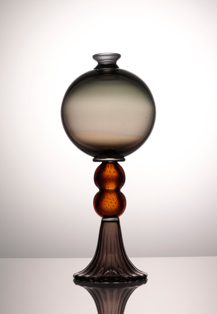 Glas Gallery: New object Akroterion by Anna Berglund