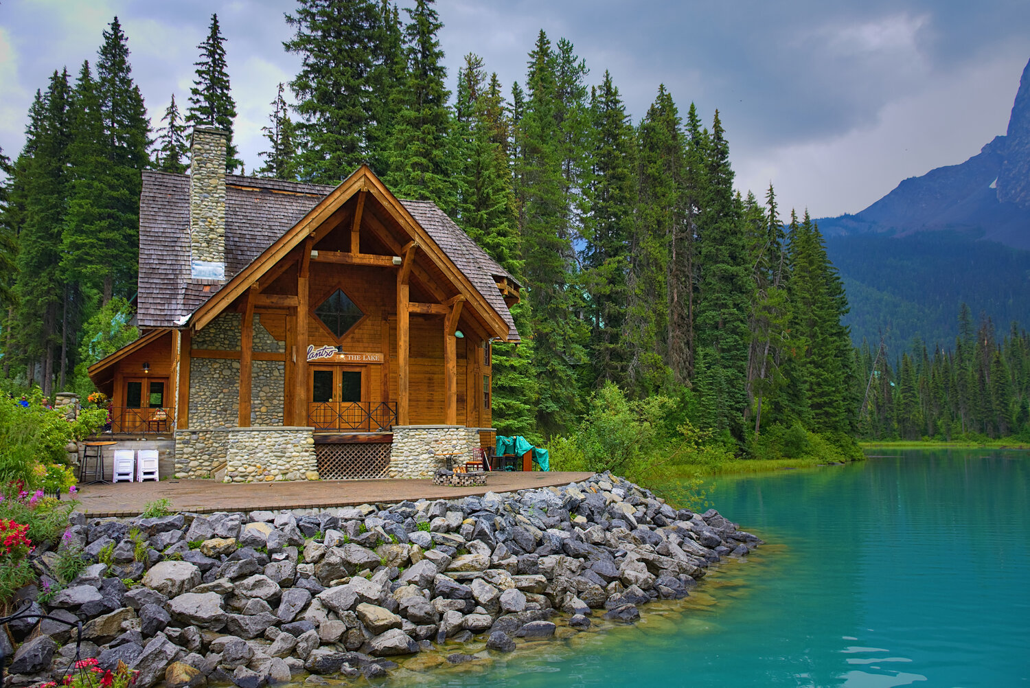 Top Tips For Designing Your Own Off-Grid Cabin