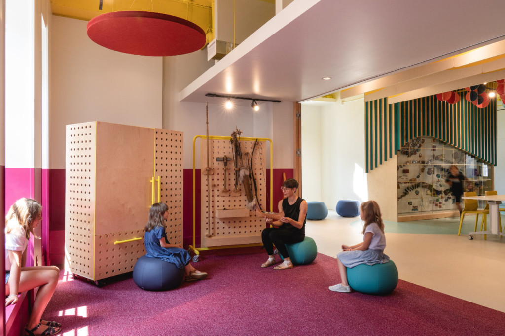 Pointe-à-Callière is getting a makeover and unveils its brand new colorful educational room